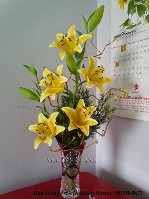 Việc tặng hoa cho nhau đã thành xu hướng lớn trong xã hội